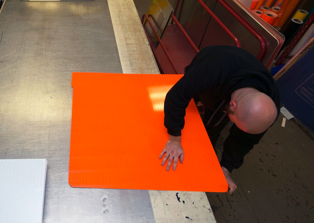 signshop cutting signs